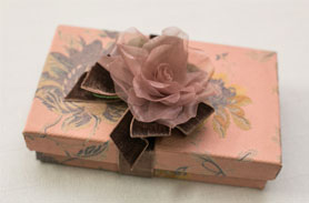 http://www.gracasouvenir.com.br/produtos/caixas/